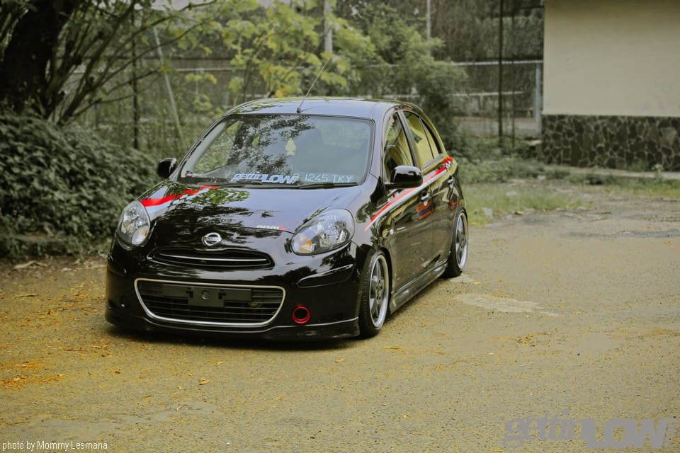 Simply Low Black Nissan March