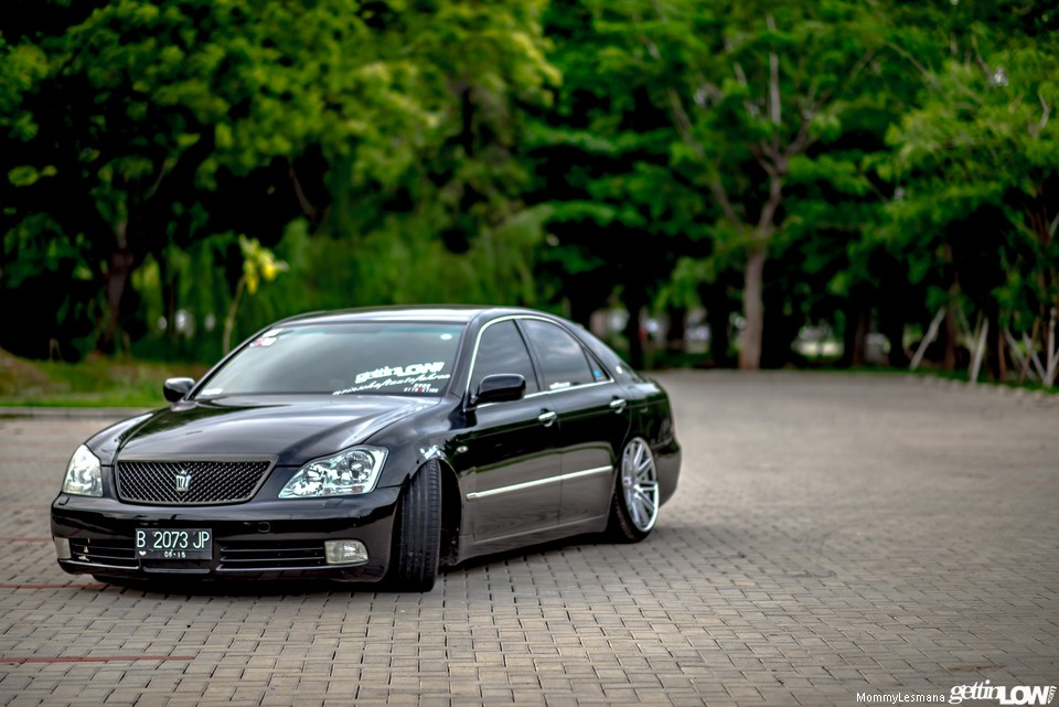 Adit's 2005 Toyota Crown Athlete