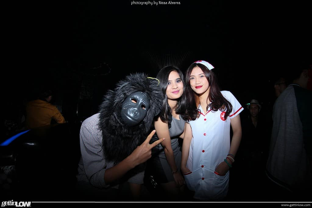 Costume Party: JAS MERAH #2